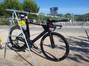 Parc à vélo pour les transitions au triathlon Ironman Aix