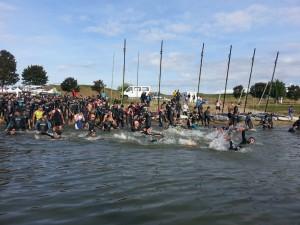 Mise à l'eau au triathlon de La Ferté Bernard