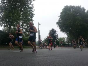Carine en course à pied au triathlon de Paris 2016