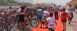 triathlon-deauville-2013-jeunes-parc-a-velo