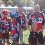 Les coach et les jeunes de l'ACBB Triathlon