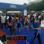 Arrivée de Carine au triathlon de Paris 2016